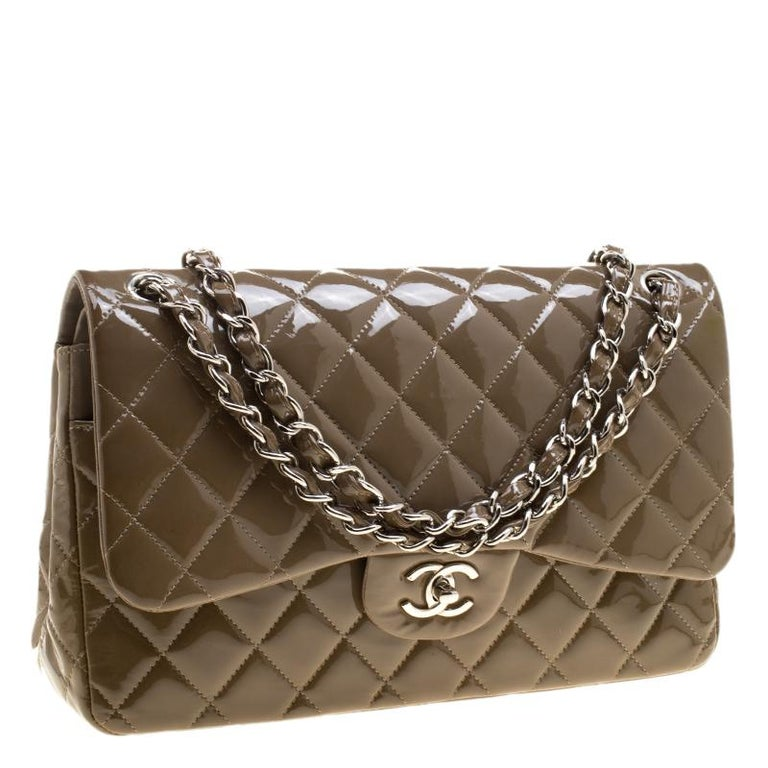 049a6d0ad8793 Chanel Khaki Gestepptes Lackleder Jumbo Klassisch Doppelumschlag Tasche 4