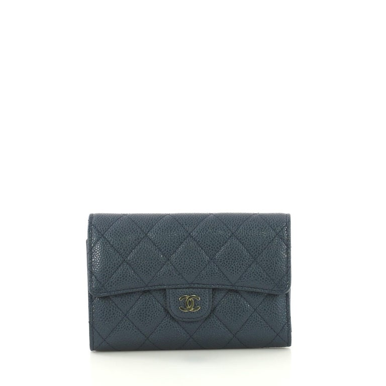3806c5c30b07 Chanel L-Flap Wallet Quilted Caviar Compact For Sale at 1stdibs