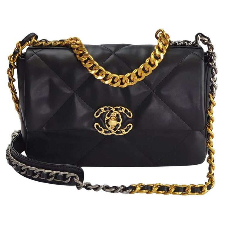 Chanel Lambskin Quilted Leather Medium 19 Flap Bag For Sale