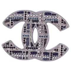 CHANEL Large Brooch With Pearl And Rhinestones