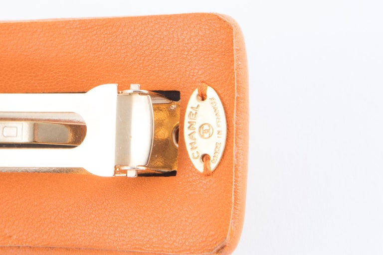 Chanel Large Orange Lamb Hair Pin In Excellent Condition For Sale In Paris, FR