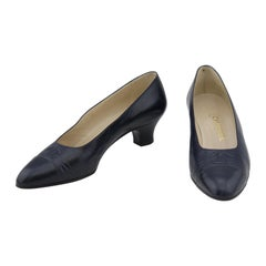 Chanel late 1980s Navy Blue Leather Logo Kitten Heels