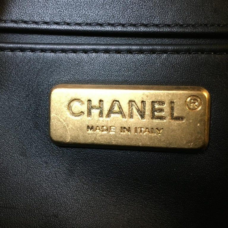 Chanel Le Boy Matte Black Alligator Medium Bag Very Rare New For Sale 5