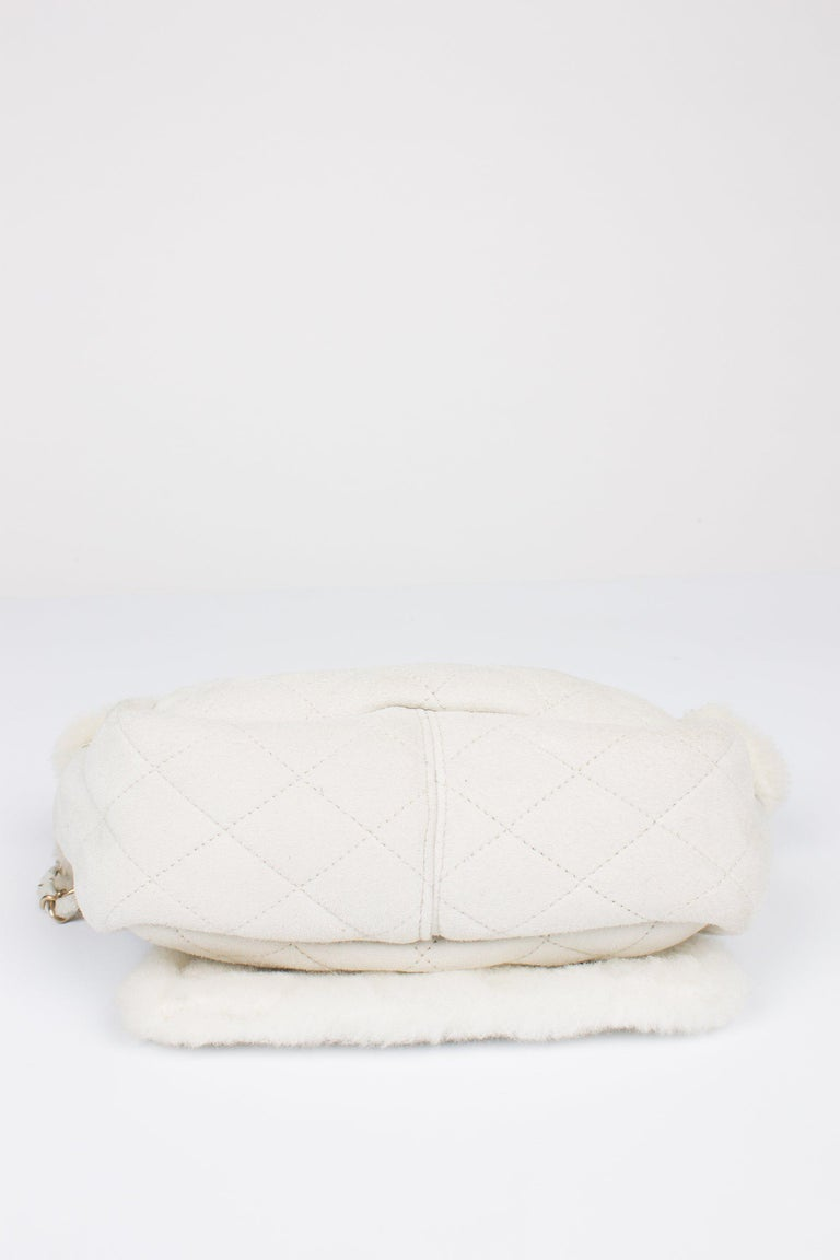 Beige Chanel Leather & Shearling Quilted Bag - off-white