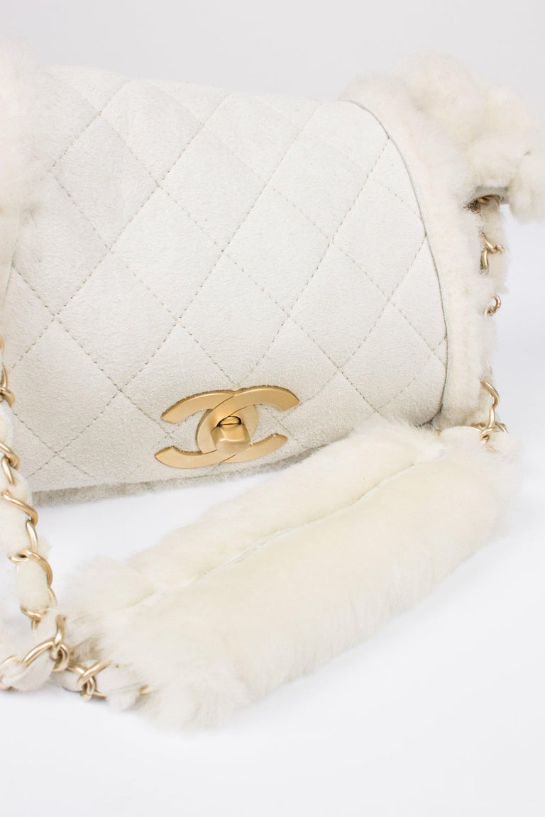Chanel Leather & Shearling Quilted Bag - off-white In New Condition In Baarn, NL