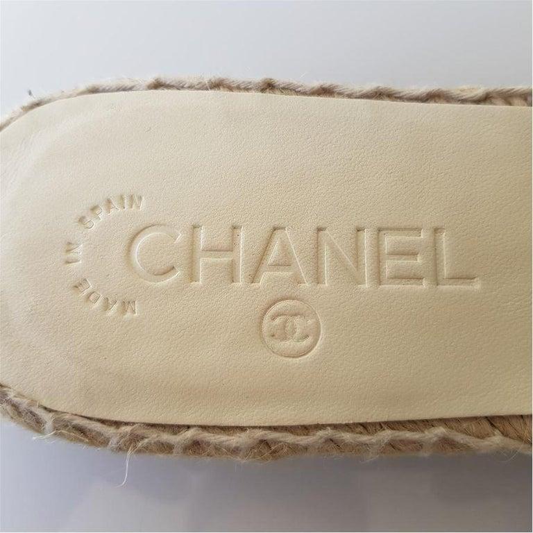 Chanel Leather Slipper 40 In Excellent Condition In Gazzaniga (BG), IT