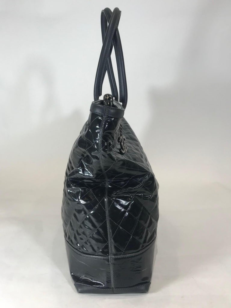 Chanel Leather-Trimmed Quilted Tote In Excellent Condition For Sale In Roslyn, NY