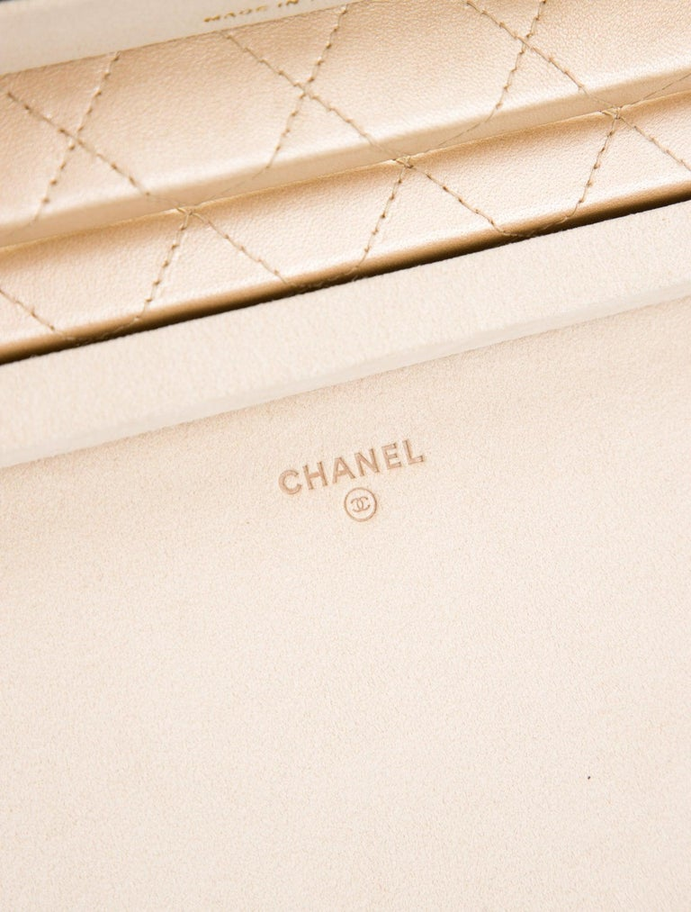 Women's or Men's Chanel Limited Edition Light Gold Vanity Case Rare Home Decor Jewelry Box For Sale