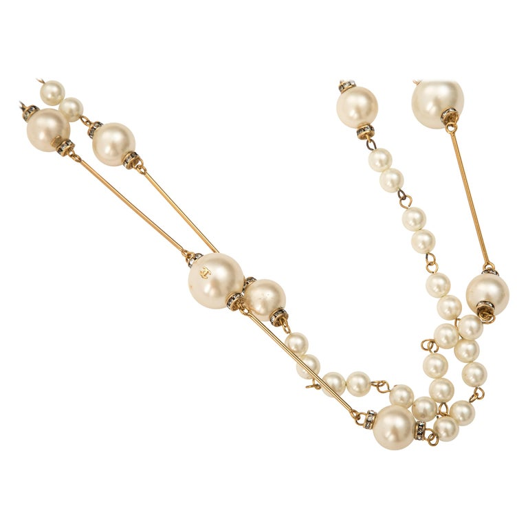 Chanel Long Faux Pearl Crystal Stations Sautoir, Spring 2001 For Sale
