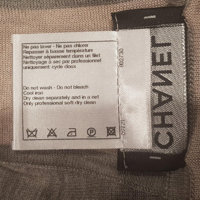 Chanel Long Grey Hooded Lounge Top In Excellent Condition For Sale In London, GB
