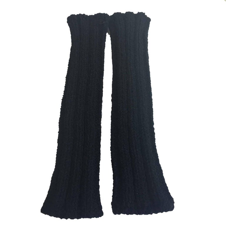 CHANEL Long Knitted Mittens in Black Cotton, Cashmere and Silk Size 2