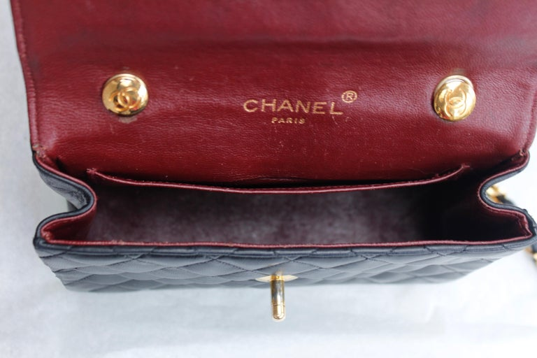 Chanel lovely black leather evening bag, 1990's For Sale 4