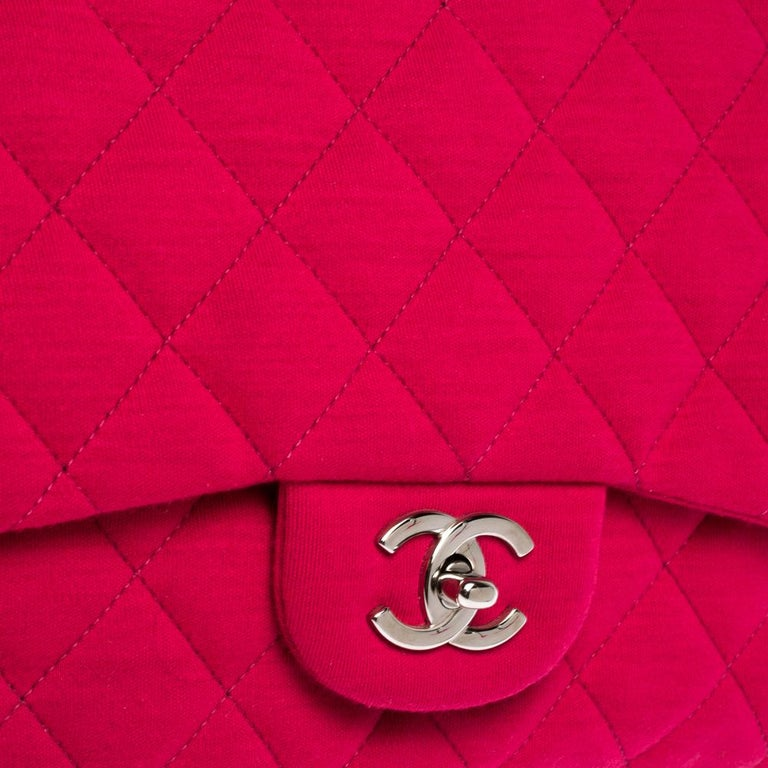Chanel Magenta Quilted Jersey Maxi Classic Single Flap Bag In Good Condition In Dubai, Al Qouz 2