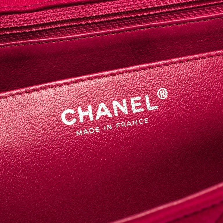 Chanel Magenta Quilted Jersey Maxi Classic Single Flap Bag 3
