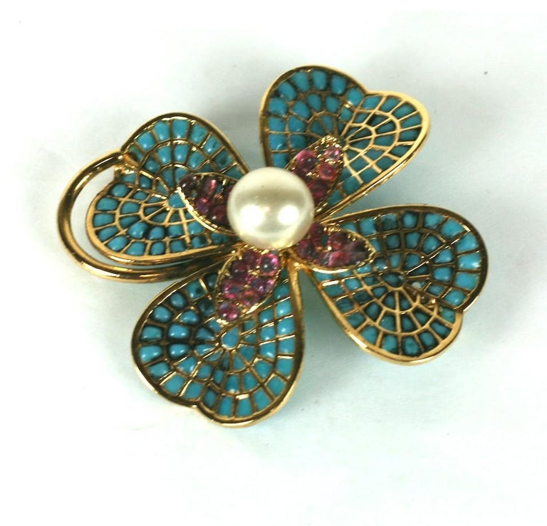 Chanel Maison Gripoix Clover Brooch In Excellent Condition For Sale In Riverdale, NY