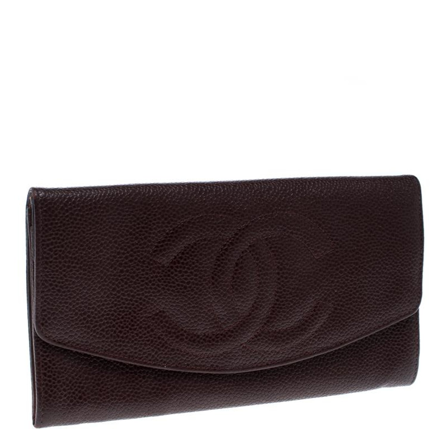 f5a2f95eaf59 Chanel Maroon Leather CC Timeless Vintage Wallet For Sale at 1stdibs