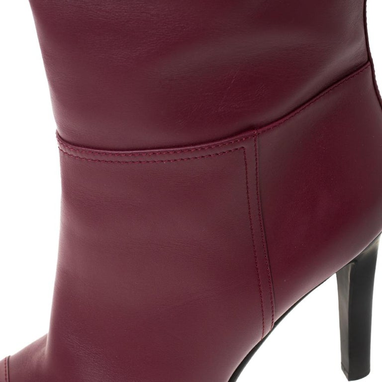Chanel Maroon Leather Knee Length Boots Size 40 In Good Condition For Sale In Dubai, Al Qouz 2