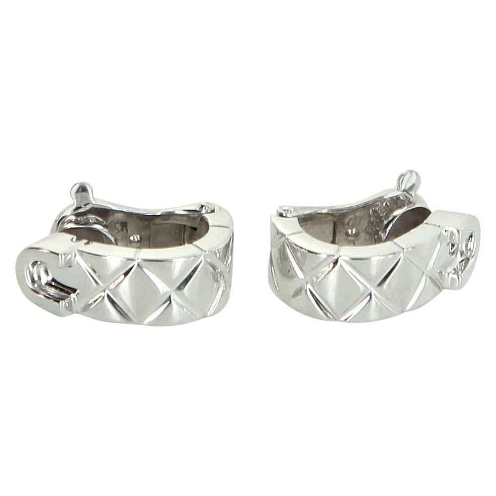 Chanel Matelasse 18 Karat Gold Quilt Earrings Pre Owned Fine Designer Jewelry