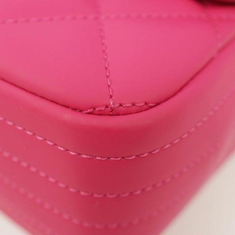 Women's CHANEL matelasse chain shoulderー Womens shoulder bag pink x silver hardware For Sale