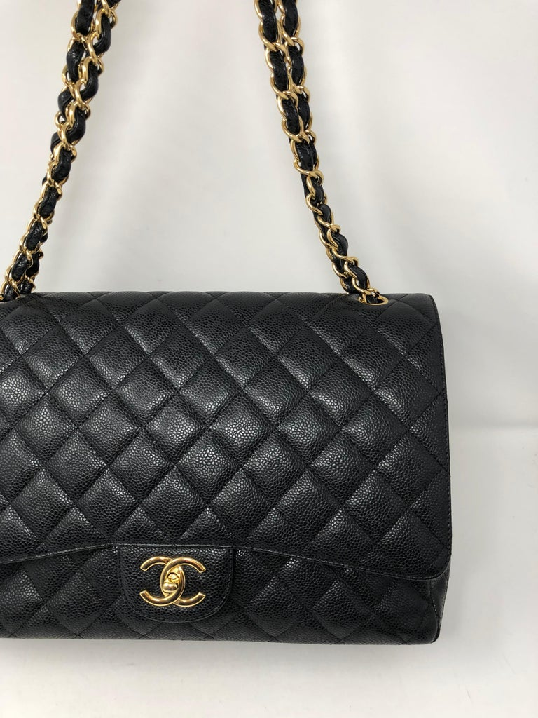 Chanel Maxi Black Caviar GHW Double Flap In Excellent Condition For Sale In Athens, GA