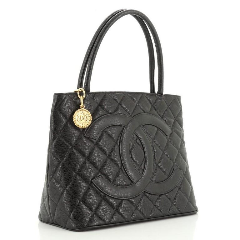 Chanel Medallion Tote Quilted Caviar  In Good Condition For Sale In New York, NY