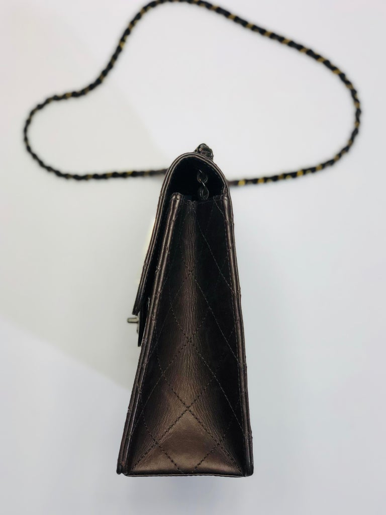 Chanel Medium Classic Flap Shoulder Bag In Good Condition For Sale In Southampton, NY