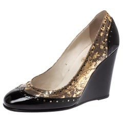 Chanel Metallic Gold And Black Patent Brogue Leather Wedge Pumps Size 38.5