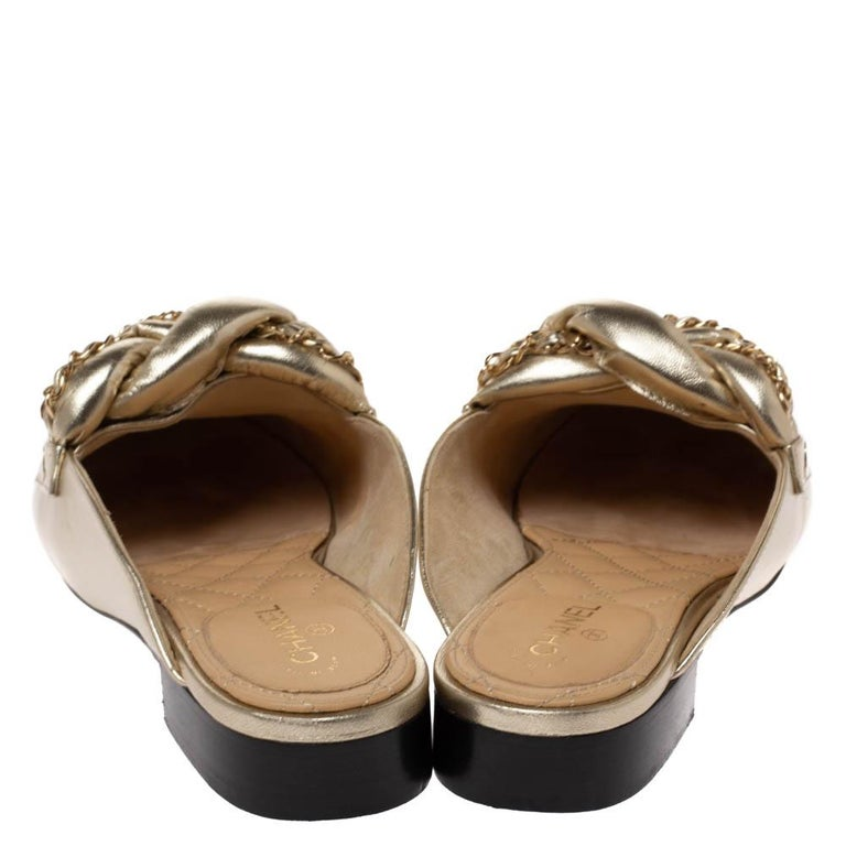 Brown Chanel Metallic Gold Leather Chain Detail CC Flat Mules Size 39 For Sale