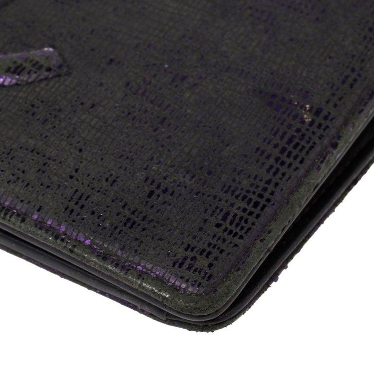 Women's Chanel Metallic Purple Leather CC Bifold Wallet For Sale