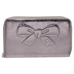 Chanel Metallic Silver Bow Embossed Crinkled Leather Zip Around Wallet Organizer