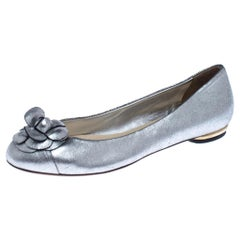 Chanel Metallic Silver Leather Camellia Embossed Ballet Flats Size 38.5