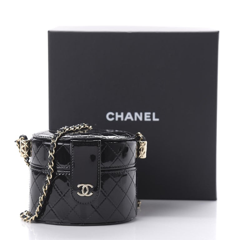 Chanel Micro Mini Black Quilted Patent Leather Jewelry Box Crossbody Bag In Excellent Condition For Sale In Miami, FL