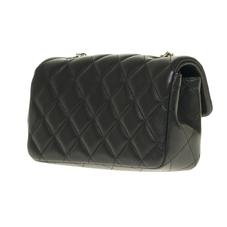 Women's Chanel Mini square handbag in black quilted leather, Silver hardware For Sale