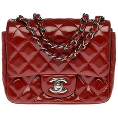 Chanel Mini Timeless Shoulder bag in red brick quilted patent leather and SHW
