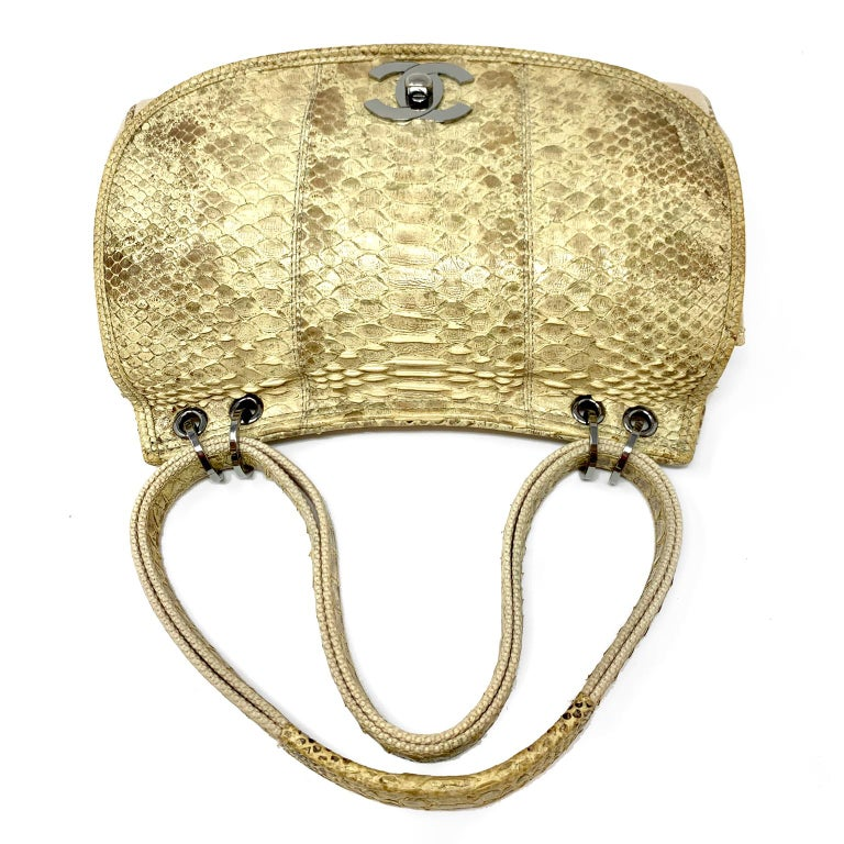 Chanel Mixed Media Snakeskin Flap Bag In Good Condition For Sale In Palm Beach, FL