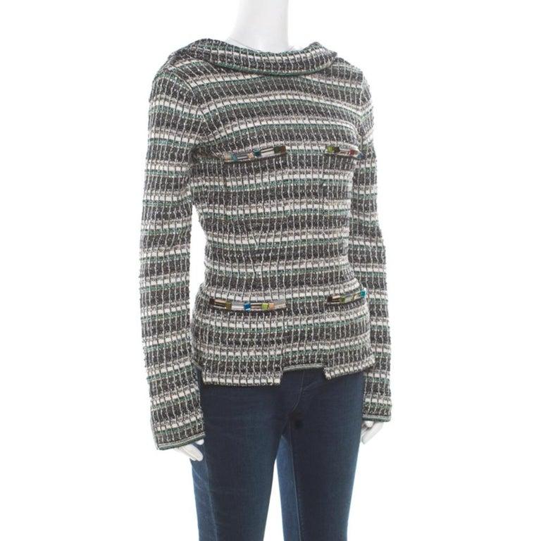 Chanel Monochrome Silk Blend Crystal Embellished Plunge Back Tweed Blazer S In Good Condition For Sale In Dubai, Al Qouz 2