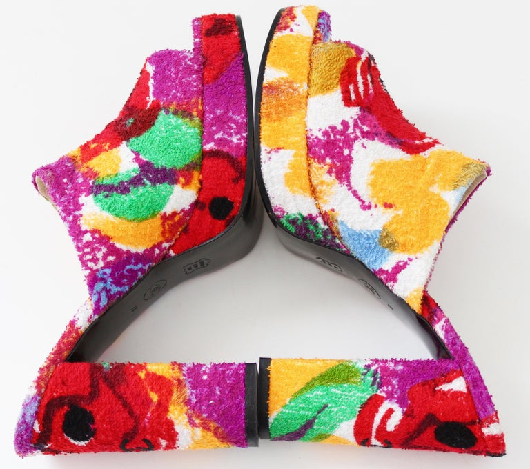 Chanel Multicolor Floral Platforms Sandals Heels Terry Cloth New Old Stock 38  In New Condition For Sale In Port Saint Lucie, FL
