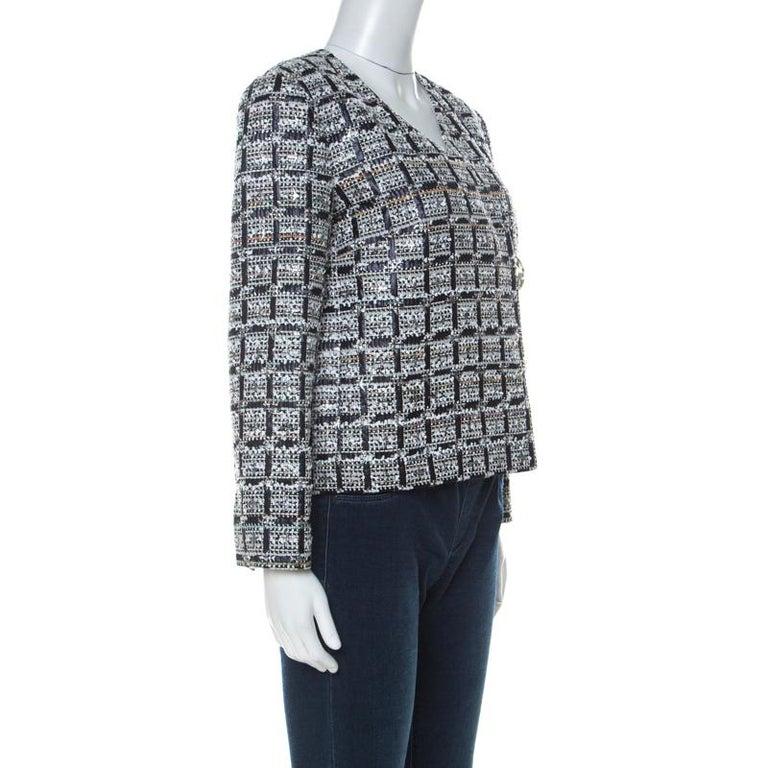 Chanel Multicolor Tweed Silver Closure Detail Fold Over Jacket M In Excellent Condition For Sale In Dubai, Al Qouz 2