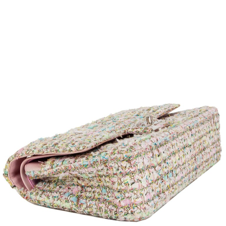 CHANEL multicolor TWEED TIMELESS CLASSIC MEDIUM FLAP Shoulder Bag In Good Condition In Zürich, CH