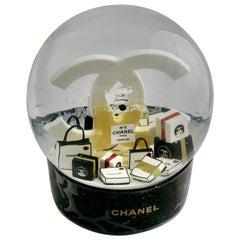 Chanel N° 5 Gigantic Battery Snowball VIP Globe,