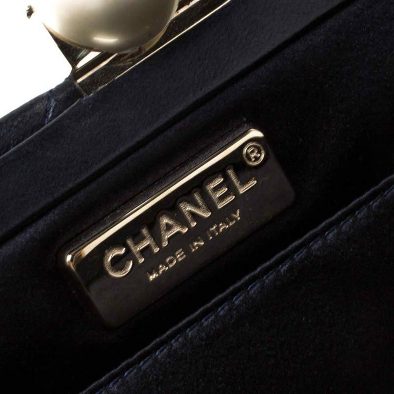 Women's Chanel Navy Blue/Black Quilted Leather Baguette Minaudiere Clutch For Sale