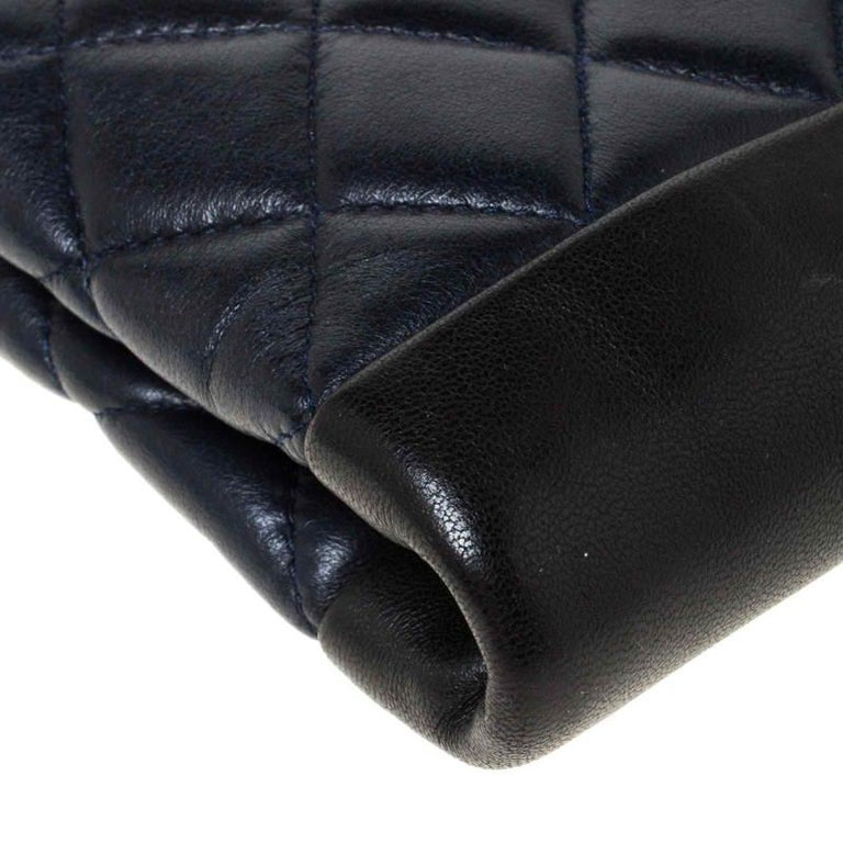 Chanel Navy Blue/Black Quilted Leather Baguette Minaudiere Clutch For Sale 2