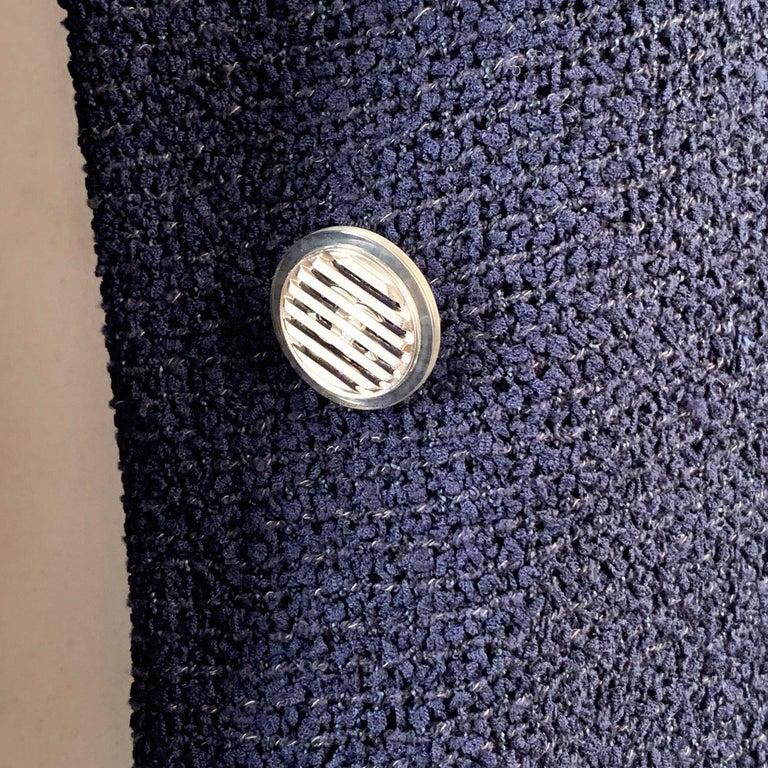 Chanel Navy Blue Bouclé Round Neck Blazer Jacket Size 34 For Sale 5