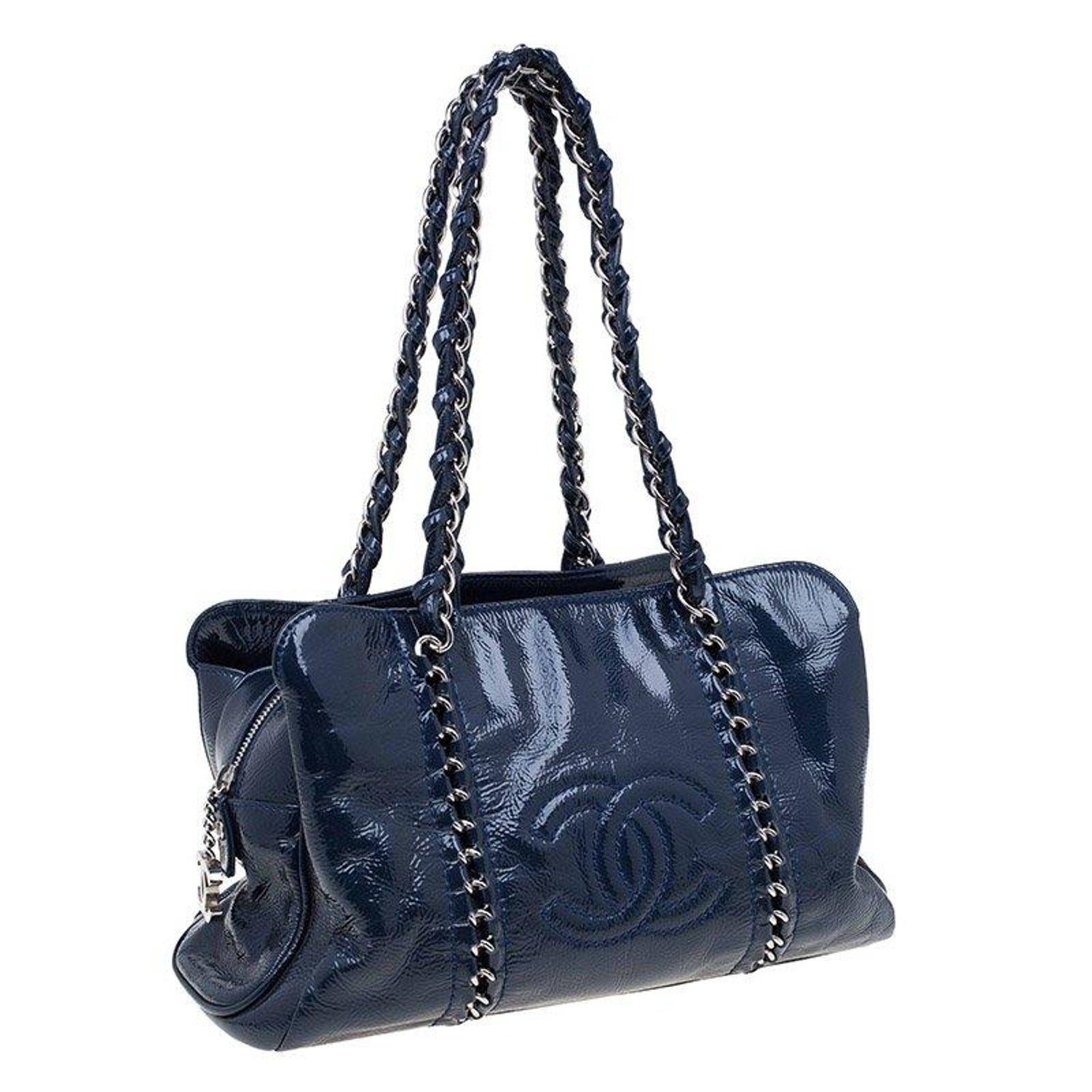 ce9e1a5c931511 Chanel Navy Blue Glazed Leather Modern Chain Tote at 1stdibs