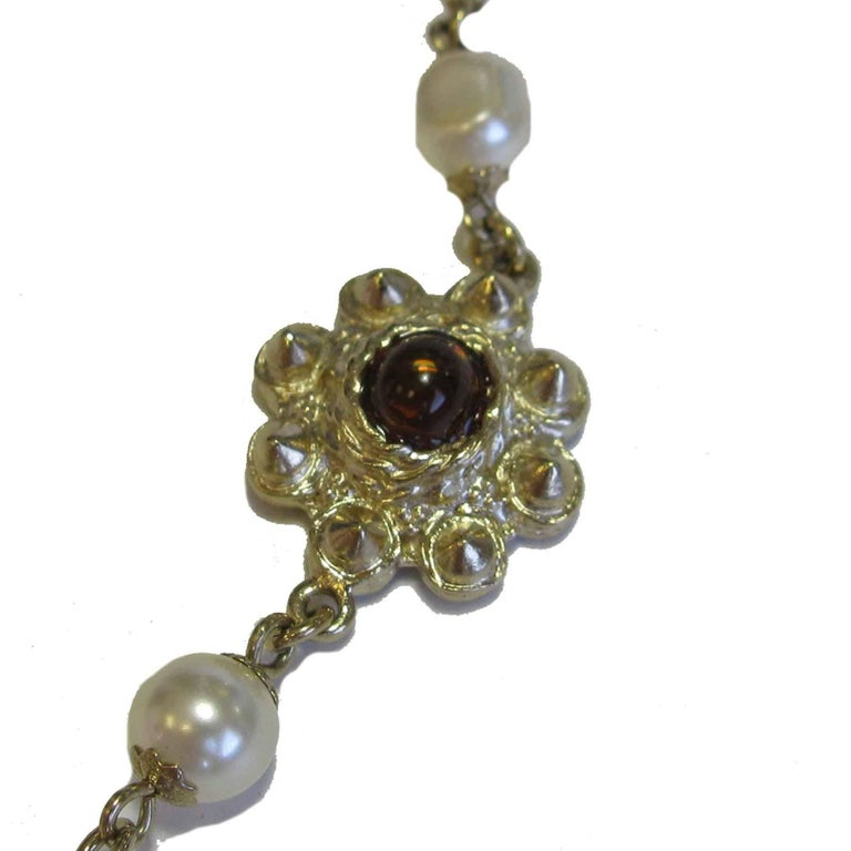 Women's Chanel Necklace in Molten Glass and Gilt Metal For Sale