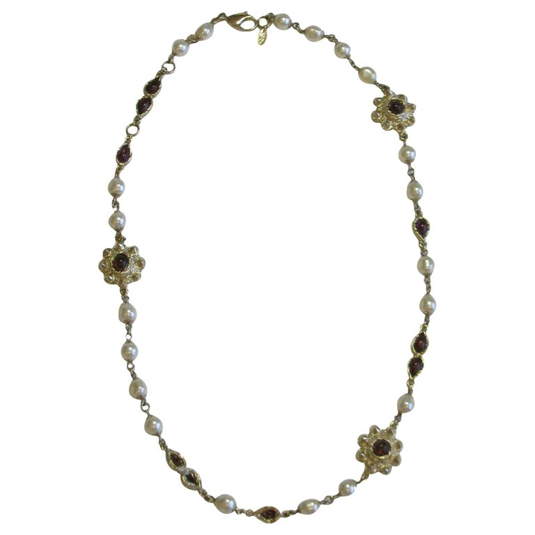 Chanel Necklace in Molten Glass and Gilt Metal For Sale