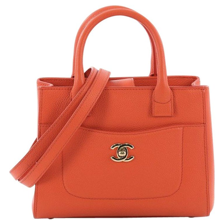d29a47c65702 Chanel Neo Executive Tote Grained Calfskin Mini For Sale at 1stdibs