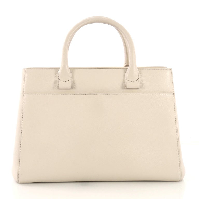 Chanel Neo Executive Tote Grained Calfskin Small In Excellent Condition In New York, NY