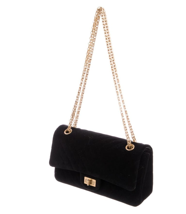 Suede Gold tone hardware Turnlock closure Leather lining Snap closure Shoulder strap drop 20.75