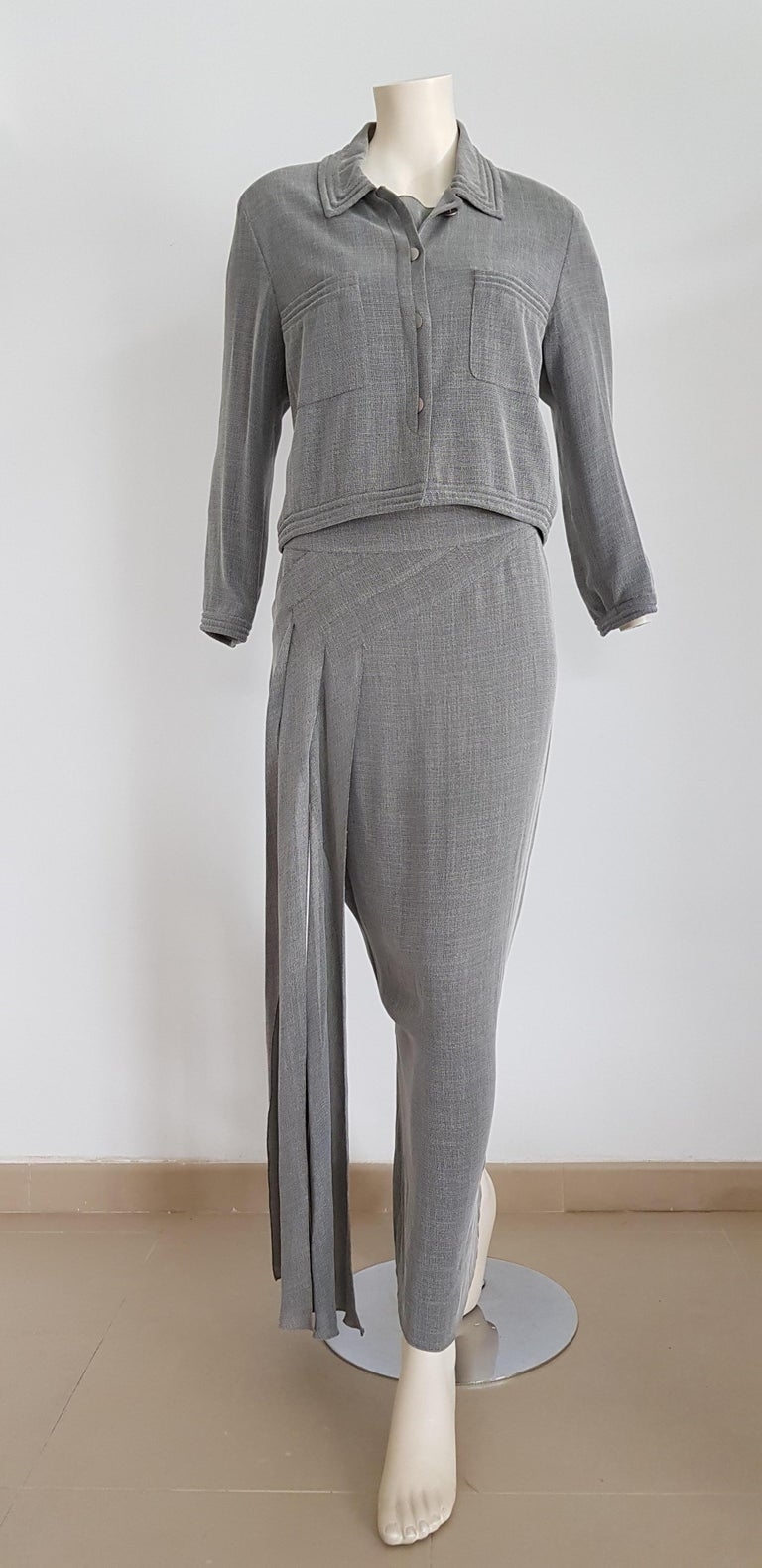 CHANEL Couture jacket and long dress Silk grey coktail suit - Unworn, New.  SIZE: equivalent to about Small / Medium, please review approx measurements as follows in cm.  JACKET: lenght 55, chest underarm to underarm 48, bust circumference 96,